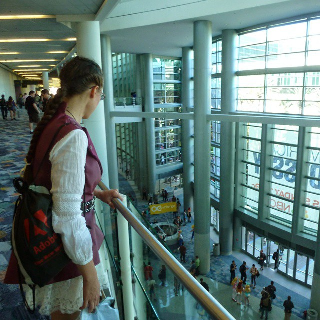 Pausing for a moment at #Wondercon on Saturday amid the chaos of fans,  artists, writers, celebrities, vendors, publishers, cosplayers, and people generally having fun with pop culture. I've been posting #cosplay photos at @speedforceorg and on Flickr at kelsonv.  #WHPcandid #balcony #wca2015 #anaheim #overlook #window