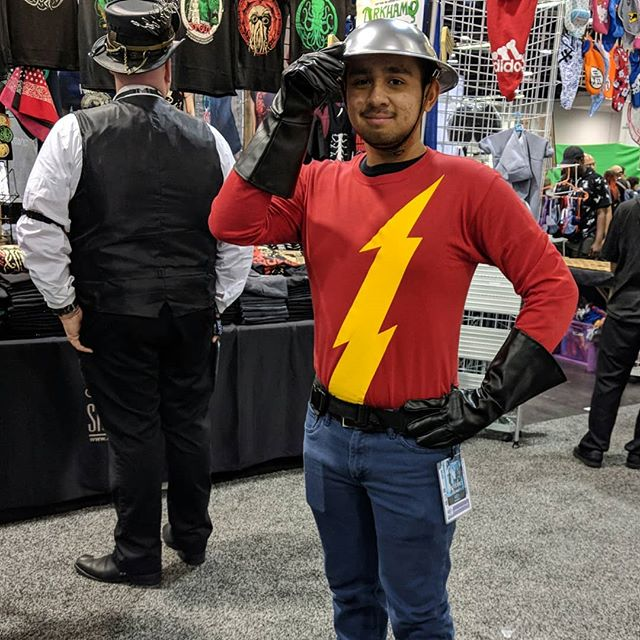 I almost didn't catch this Jay Garrick cosplayer at