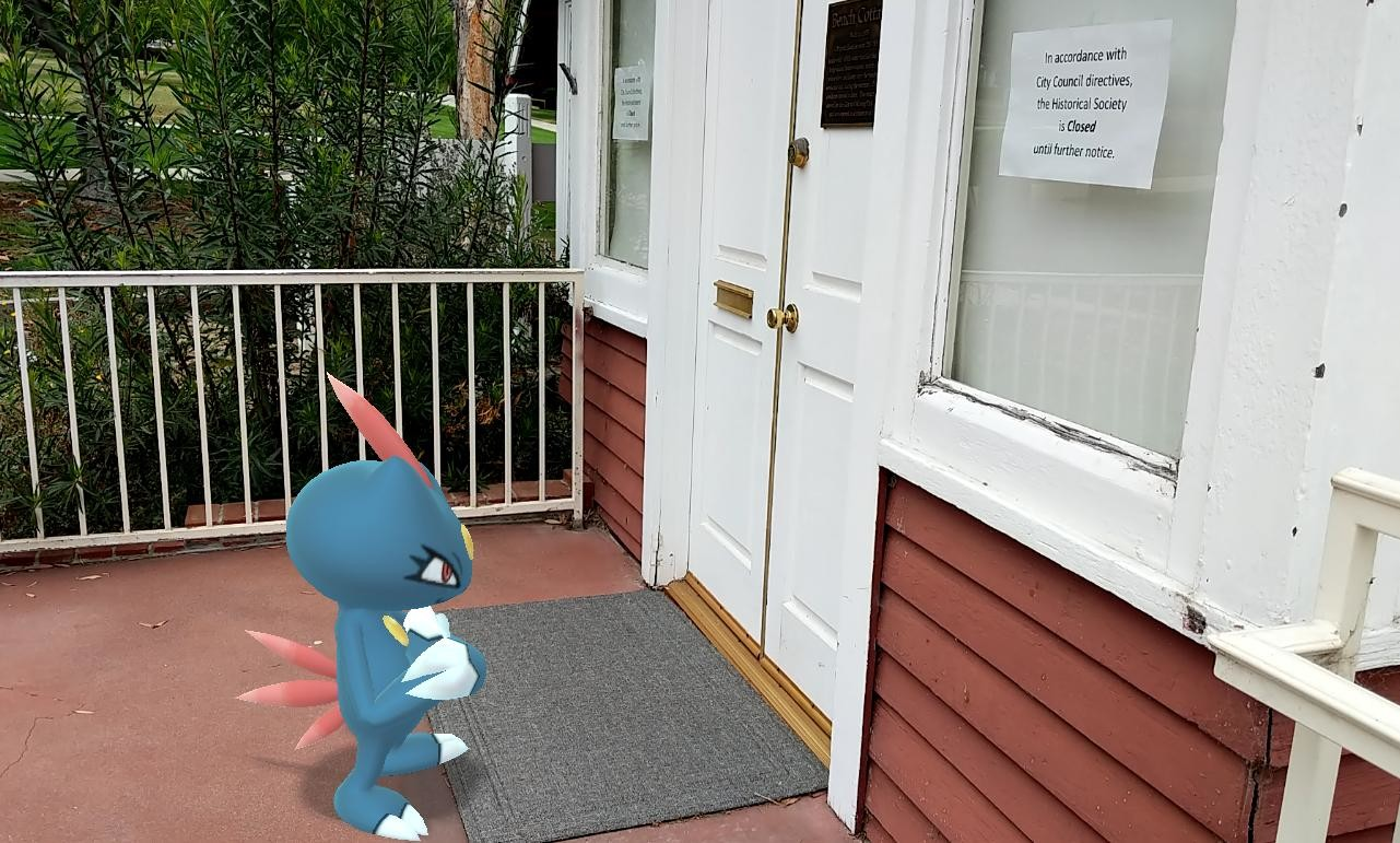 Sneasel is disappointed that the museum is closed.#Pokemon