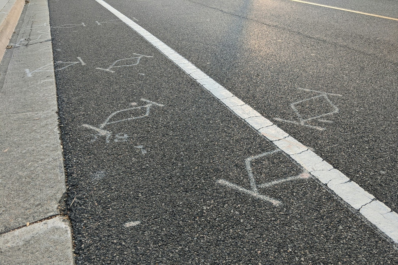 I always think these markings look like TIE Fighters.